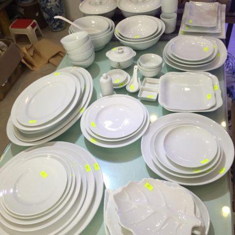 bát đĩa men trắng