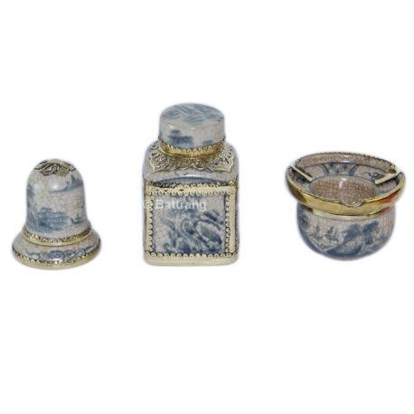 Bộ phụ kiện gốm – gạt tàn – lọ chè vuông – ống tăm – men rạn